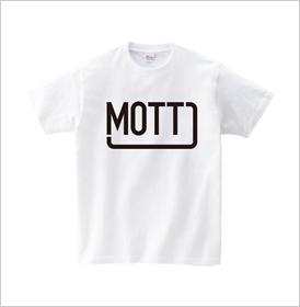 クリームイエローの無地Tシャツ